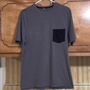 EUC Fabletics army green w/black pocket t-shirt